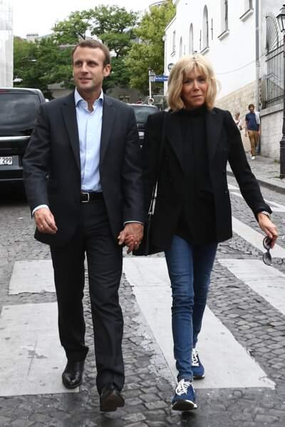 Le couple présidentiel toujours aussi inséparable à Montmartre