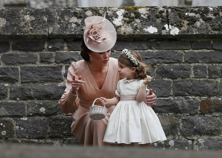 Charlotte et Kate Middleton au mariage de Pippa