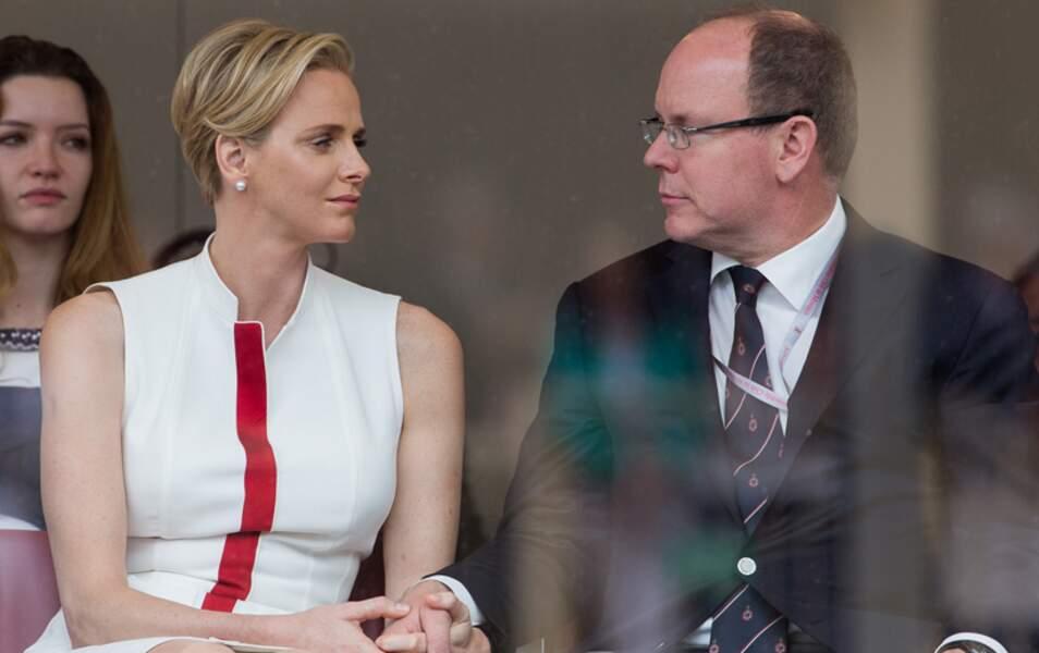 Le prince Albert II et Charlène, main dans la main <3