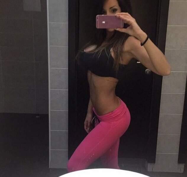 Elle est accro au sport et au fitness et ça se voit !