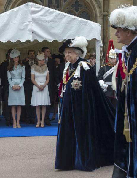 Lorsque passe la reine, elles montrent leur respect
