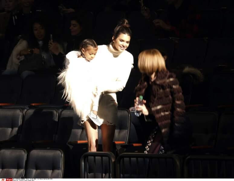 C'est pas North West, dans les bras de Kendall Jenner, qui va nous contredire!