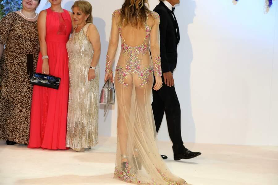 Et la fameuse invitée qui a montré ses fesses...