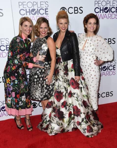 People's Choice Awards 2017 : Lori Loughlin, Andrea Barber, Jodie Sweetin et Candace Cameron Bure