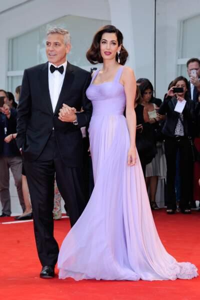 Mostra de Venise 2017 : Amal Clooney en Versace