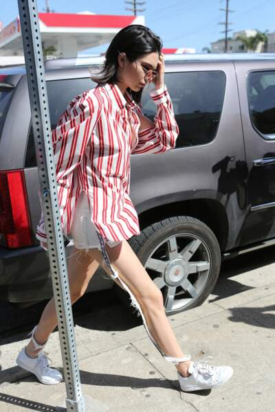 Kendall Jenner et le jean invisible