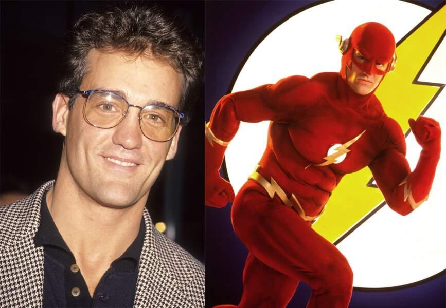 À quoi ressemblent les stars des séries télé des années 90 - Flash