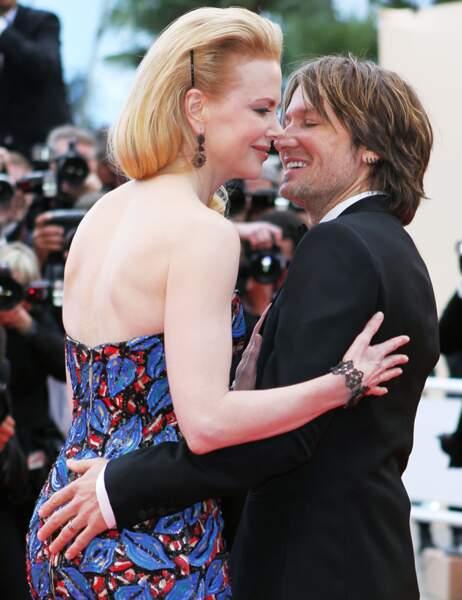 N'est-ce pas Keith Urban ? Tu crois qu'on ne te voit pas la main dur les fesses de Nicole Kidman ?