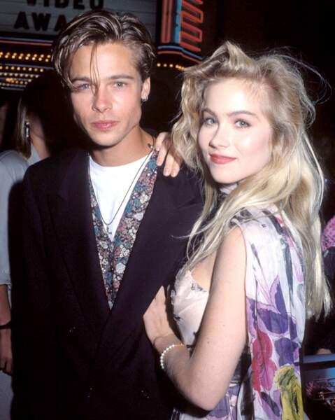 Août 1988: Brad Pitt craque pour Christina Applegate, elle le largue l'année suivante