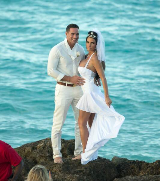 Robes de mariée de stars : Katie Price et Kieran Hayler en 2013. Distinction et chiquisme