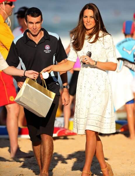 Le duc et la duchesse viennent assister à une démonstration de sauvetage...