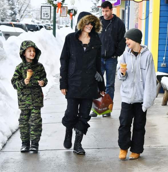 Angelina Jolie a acheté des jouets à ses enfants