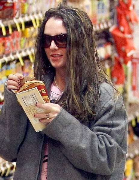 Quand Britney Spears a fini ses nuggets, elle s'essuie dans ses cheveux