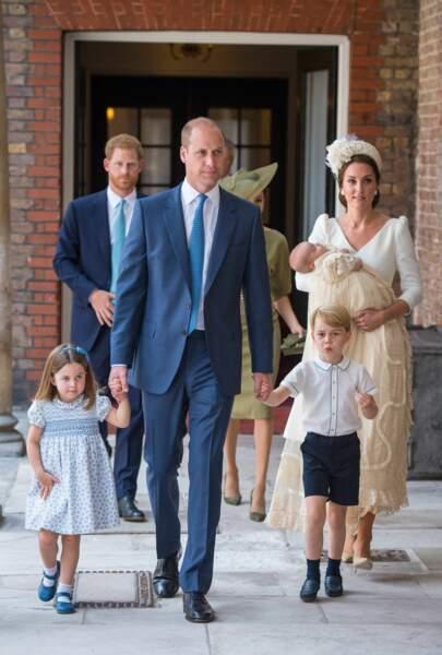 Kate, William et les enfants au baptême de Louis
