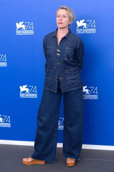 Mostra de Venise 2017 : Frances McDormand hyper cool en double denim