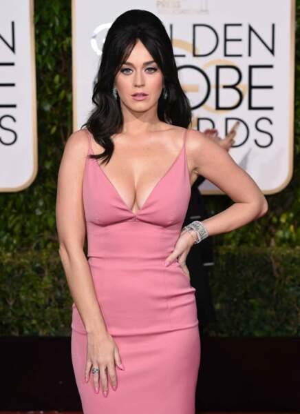 """Katy Perry """"Il n'y a pas que niveau coiffure qu'elle est gonflée, elle a clairement sorti les Golden Globes."""""""