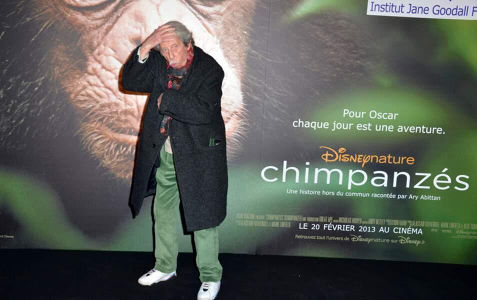 Jean Rochefort imite un chimpanzé