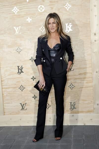 "Soirée Louis Vuitton x Jeff Koons au Louvre : oh pardon : Jennifer ""SEXY"" Aniston !"