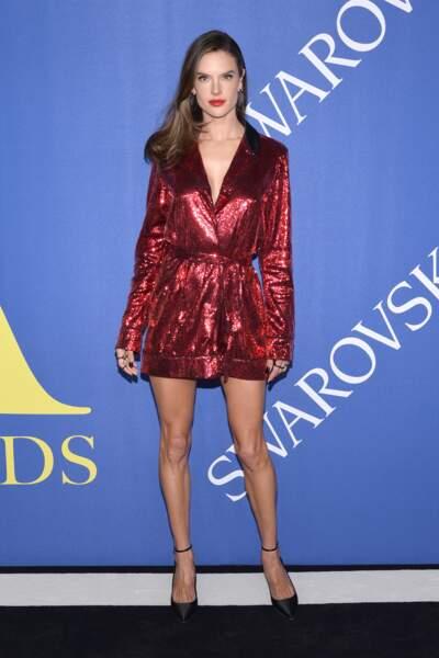 Alessandra Ambrosio aux CFDA Fashion Awards 2018