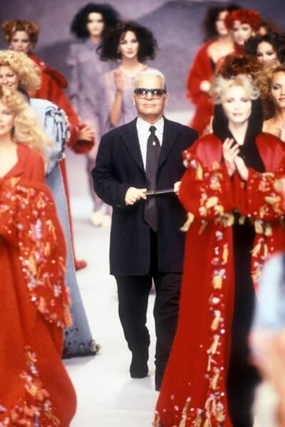 L'évolution physique de Karl Lagerfeld : le créateur en 1995