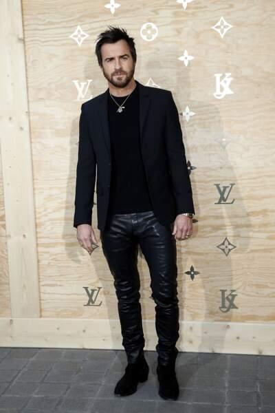 """Soirée Louis Vuitton x Jeff Koons au Louvre : Justin """"Super Sexy"""" Theroux"""