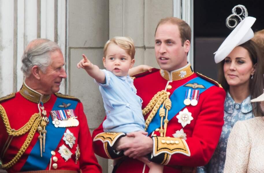 Anniversaire du Prince George - Le petit garçon a ADORÉ voir les avions, les défilés militaires...