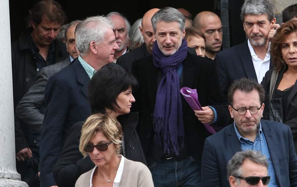 De nombreuses personnalités se sont rendues aux obsèques de Gilles Verlant aujourd'hui