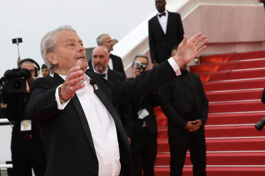 Cannes 2019 : Alain Delon arborait un badge en hommage à sa fille Anouchka