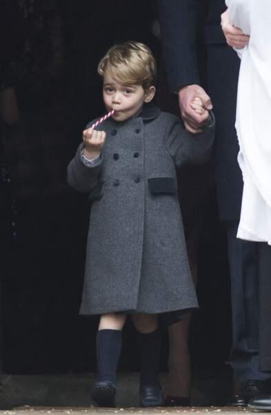 Anniversaire du Prince George - Noël 2016 Kate et William lui donne un sucre d'orge pour patienter pendant la messe