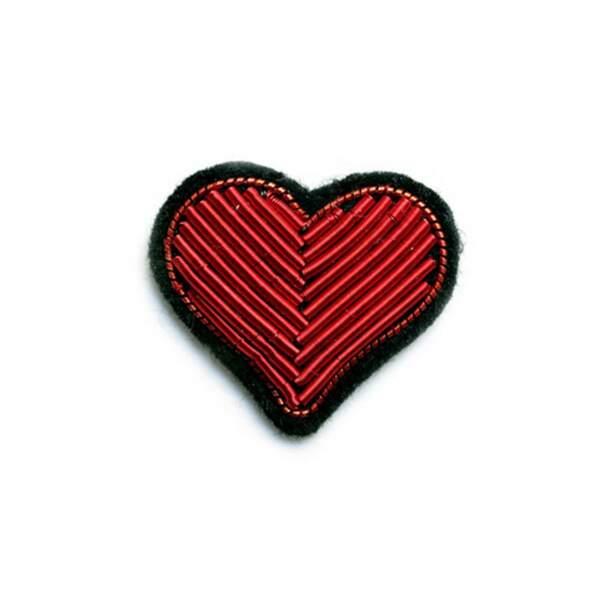 Cadeaux de fête des mères : broche coeur brodée à la main, Macon & Lesquoy, 18€