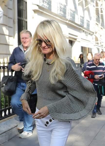 Laeticia Hallyday se rend chez son avocat, Me Ardavan Amir-Aslani, à Paris