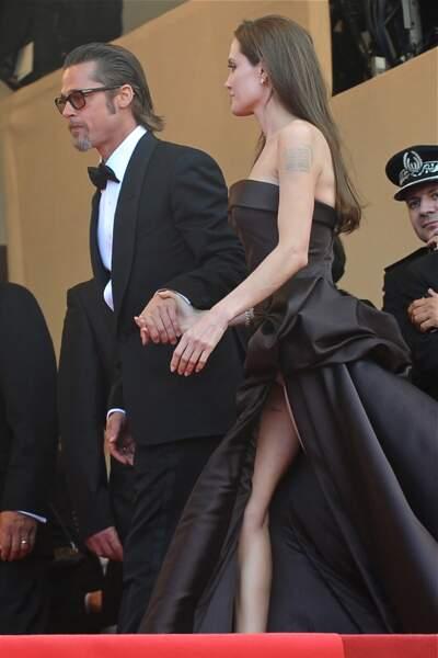 Festival de Cannes, les accidents de tenue les plus sexy - Angelina Jolie n'échappe pas à la règle