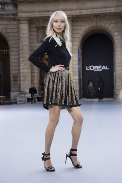 Soo Joo Park lors du défilé L'Oréal Paris