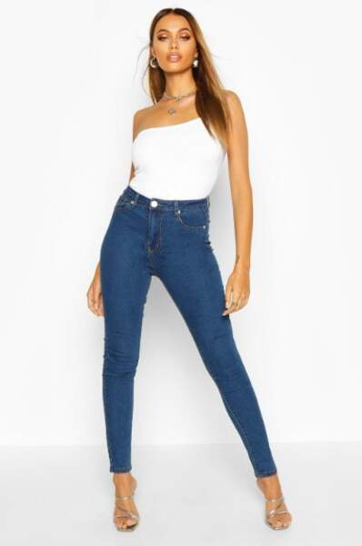 Jean skinny taille haute, Boohoo, actuellement à 14€