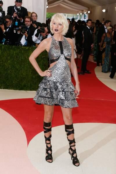 Taylor Swift et sa robe argentée
