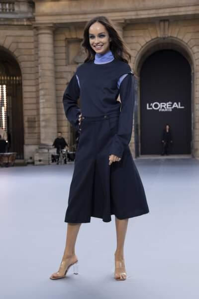 Luma Grothe lors du défilé L'Oréal Paris