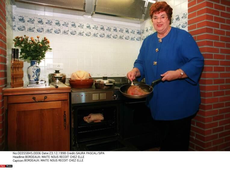 26. La télé est toquée : Maïté dans La cuisine des Mousquetaires et À table !