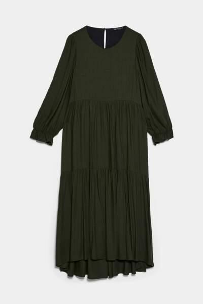 Robe mi-longue avec plis kaki, Zara, 49,95€
