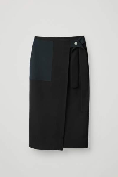 Jupe portefeuille à ceinture et poche plaquée, COS, 99€
