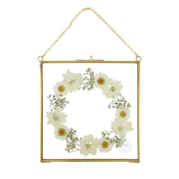 Herbier sous cadre en laiton Pierre de lune, Herbarium x Pomellato, 75€