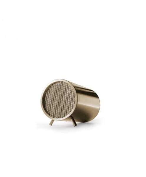 Enceinte tube laiton, Piet Hein Heek sur Arne Concept, 89€
