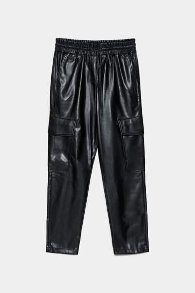 Pantalon cargo en simili cuir, Zara, 29,97€