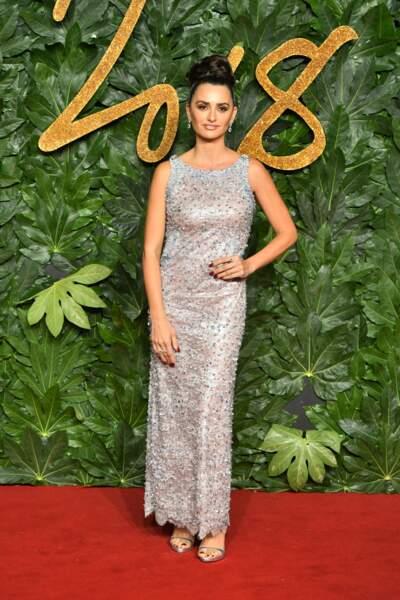 Do : Penélope Cruz raffole des robes à paillettes