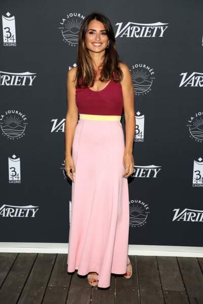 Don't : Penélope Cruz ose la robe tricolore légèrement trop petite