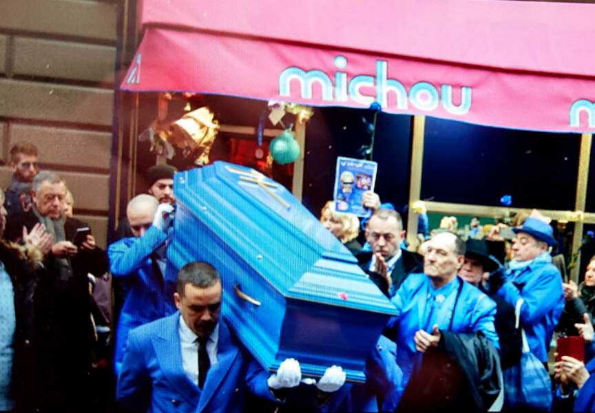 Obsèques de Michou devant son cabaret