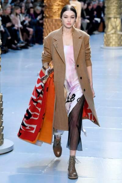 Fashion Week - Gigi Hadid défile pour la collection automne-hiver 2020/2021 Chloé