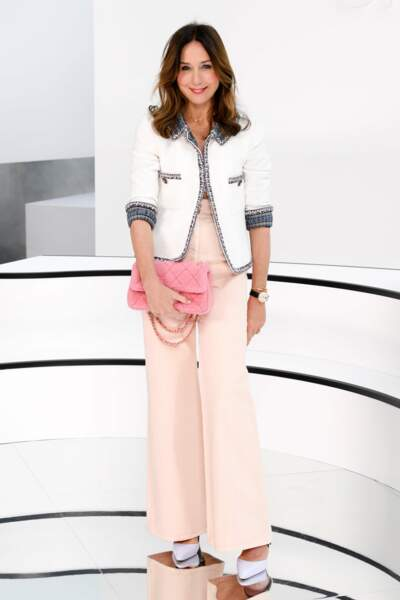 Fashion Week - Et Elsa Zylberstein (défilé Chanel)