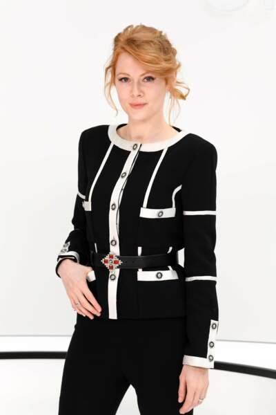 Fashion Week - On a également repéré Emily Beecham (défilé Chanel)