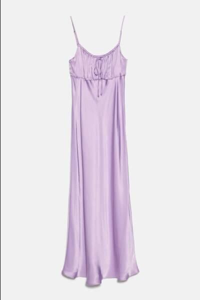 Robe mi-longue satinée couleur lilas, Zara, 19,99€au lieu de 39,95€