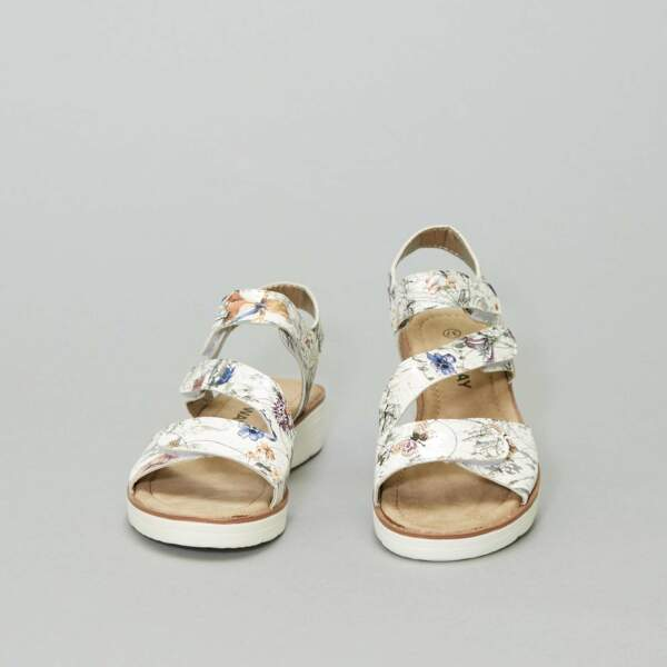 Sandales à fleurs, Kiabi, actuellement à 17,60€